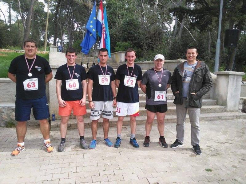 Maratonci i naš ekonom